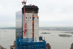 世贸中心的摩天大楼由内而外