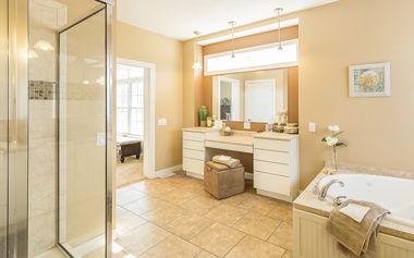 Elegant Full Bath