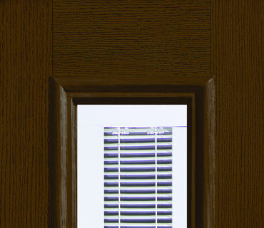 FULL GLASS WITH BLINDS WOOD GRAIN SIDELIGHT