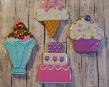 Events and Classes at Scoops & Treasures