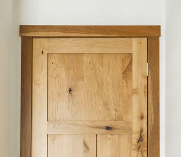 ALDER DOOR WITH SAPPY CHERRY SQUARE STYLE TRIM