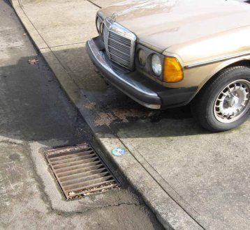 Leaking car image