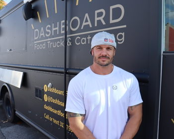 Renowned restaurant keeps on trucking