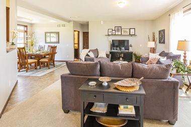 LaPorte Model 2 Livingroom 03