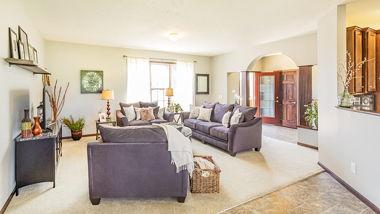 LaPorte Model 2 Livingroom 02