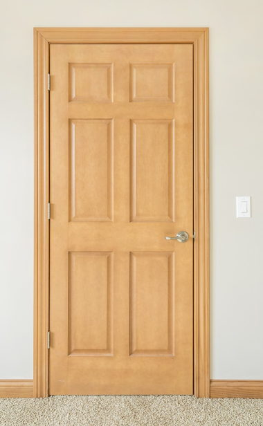SOLID CORE DOOR WITH AMBER PINE TRIM