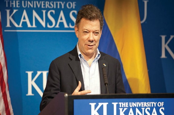 Image for Waging Peace: Juan Manuel Santos