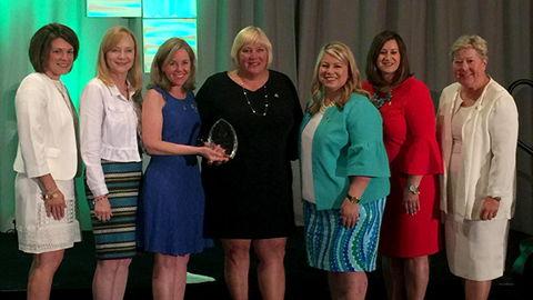 Kaye Schendel receives Alpha Chi Omega Vision Award